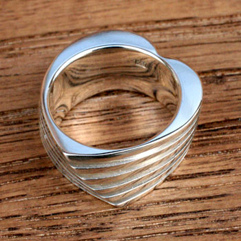 heart slit ring